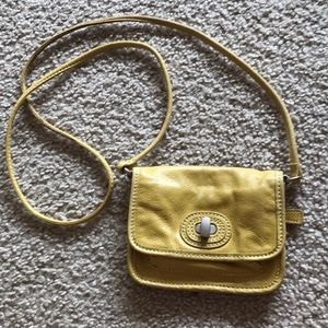 FOSSIL yellow small leather crossbody bag!!CUTEE